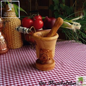 mortar and pestle traditional style