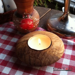 modern candle holders, round, out of olive wood
