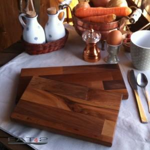 Desayuno bandeja hecha de madera de nogal, rectangular