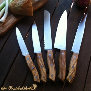 Knifes for bread, vegetables, meat, fish, steak, herbs etc.