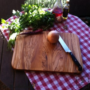 "Olive wood cutting board serie ""Modern Life"""
