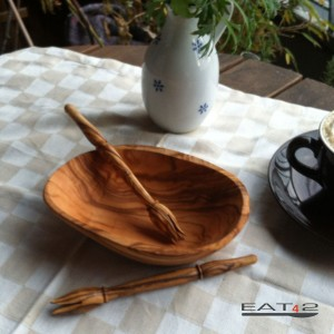 small bowl incl. olive fork out of olive wood