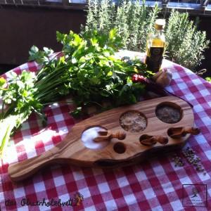 Planche à découper pour servir de bois d'olive