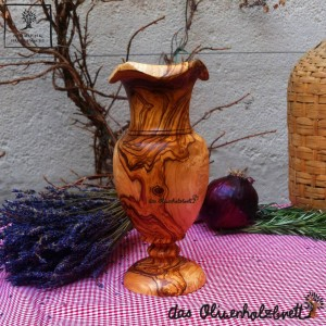 Blumenvase aus Olivenholz