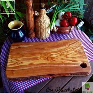 Cutting board in a rustic look