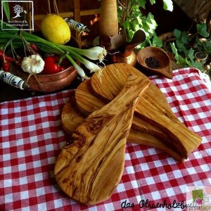 olive wood board, natural shape
