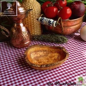 Schälchen aus Olivenholz, oval mit Naturrand