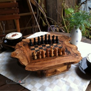 Schachspiel mit Schublade