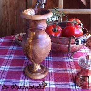 Vase aus Olivenholz