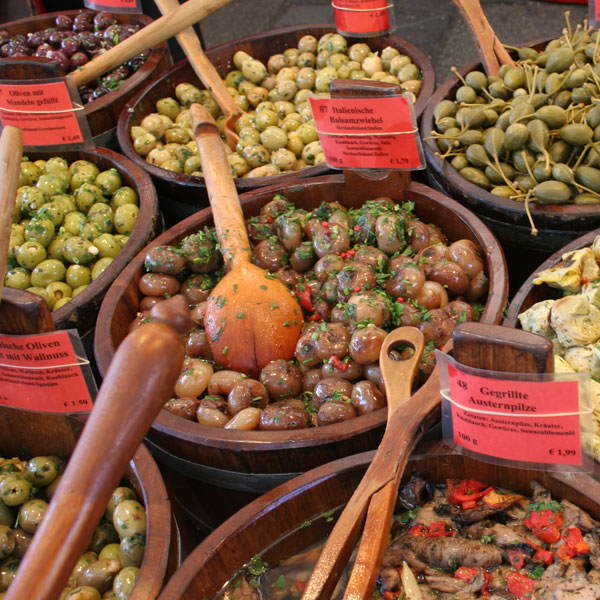 Olivenfrüchte in der Sonne
