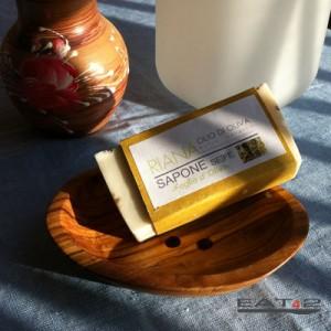 Seifenschale aus Olivenholz + 100g Naturseife